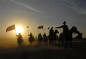 Aussies and Anzacs reenact WWI battle of Beersheba
