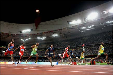 Usain Bolt runs the 100m