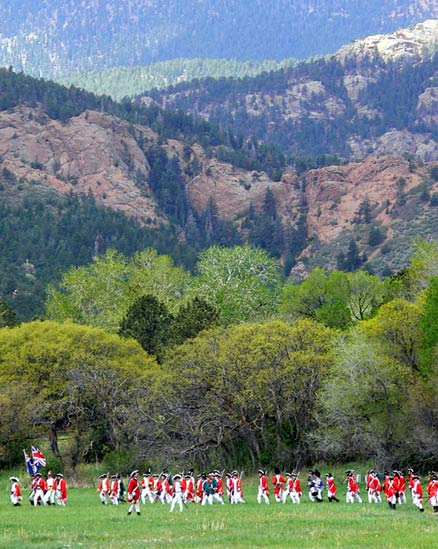 A Revolutionary War reenactment with Colorado Springs D-12 schools