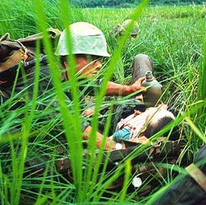 vietnam-wounded-marine